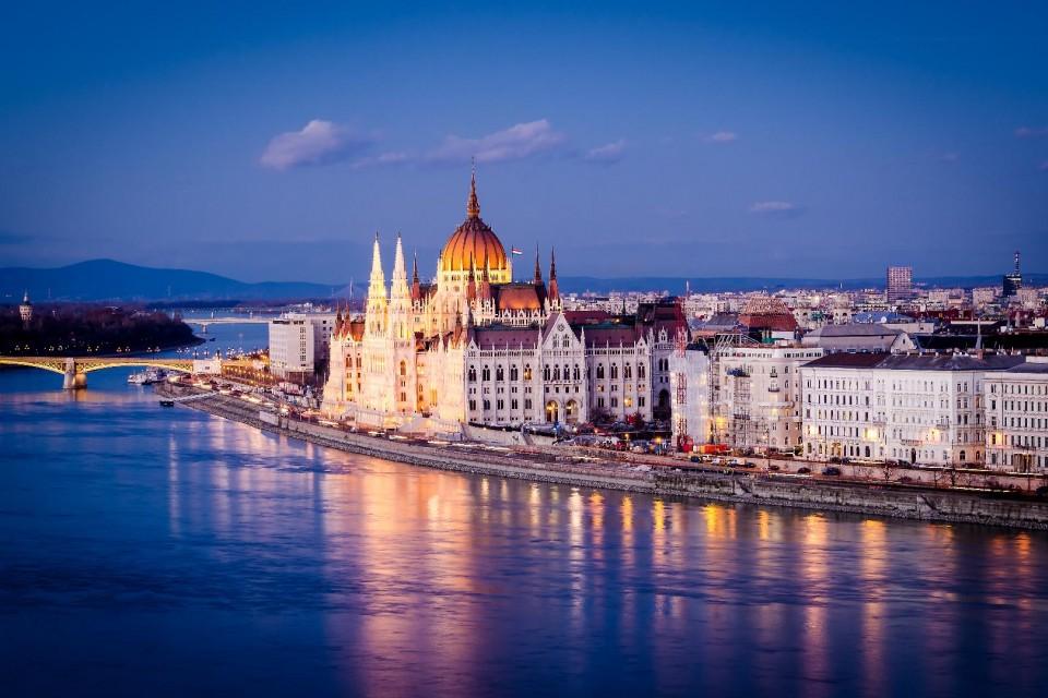 Предколедна Будапеща - с полет от Варна