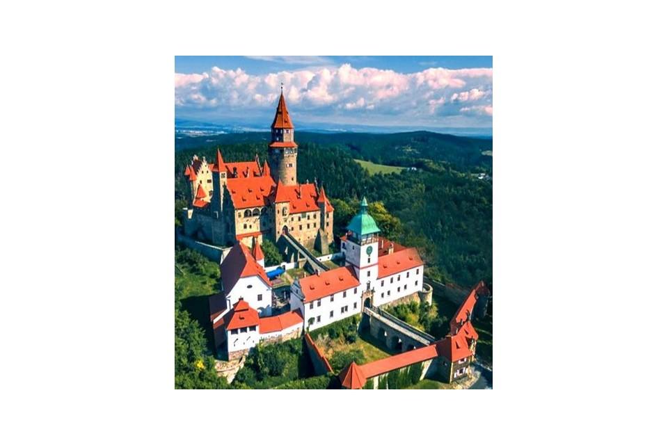 Бохемски замъци и най-доброто от Чехия,полет от София